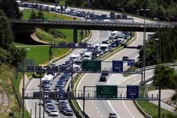 gotthard-tunnel-traffic